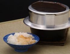 昔ながらの「かまど炊き」を再現『謹製 釜炊き三昧(3合炊き)』