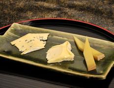 【アルパージュが選んだ日本酒に合うチーズ三種】香りが高い辛口の大吟醸、吟醸に(シャウルス、カンボゾーラ、ボーフォール・ダルバージュ) ※冷蔵