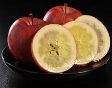 蜜入りりんご 『こみつ(品種:こうとく)』 青森県石川地区産のお取り寄せ通販