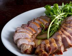 【90日熟成】秋田のひめ豚の熟成肉 骨付きロースブロック 800gUP ※冷凍
