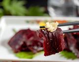 『生ミンククジラ赤肉』岩手県産 約300g ※冷蔵【豊洲市場直送】の商品画像