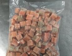 【給食応援】北海道三陸沖 サケ角切りPBL2㎝皮無骨無 2kg(1kg×2袋) ※冷凍