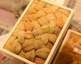 『キタムラサキウニ』弁当箱(バラ・A品)約250g 北海道・三陸産 ※冷蔵【豊洲市場直送】の商品画像