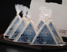 北海道産の小粒大豆「スズマル」から生まれた「葵」納豆(50g×3)×6パック